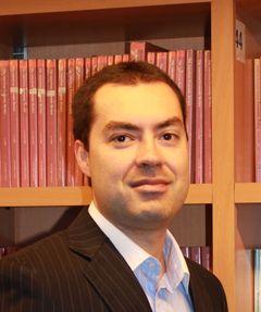 Hugo E. B.