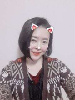 Min Young K.