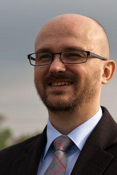 Dariusz B.