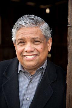 Carlos R. H.