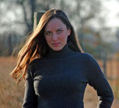 Lindsey De La C.