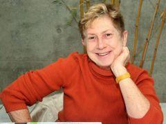 Gail R
