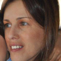 Elisabete R.