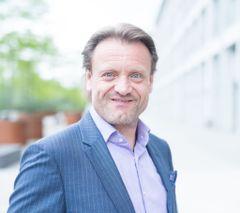 Dietmar K.