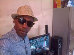 Mthunzi Q.