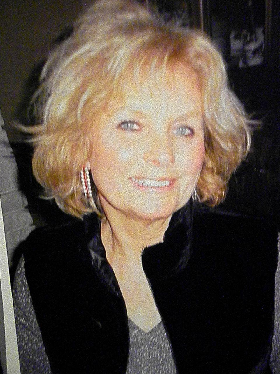 glendale mature singles Try online dating and discover an easy way to find your perfect match join us and meet amazing glendale singles for dating and serious relationships with cupidcom.