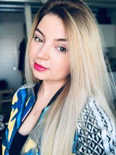 Roxana J.