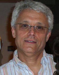 Viktor L.