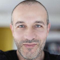 André B.