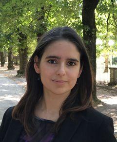 Cláudia Matos M.