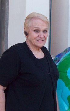 Eva T.