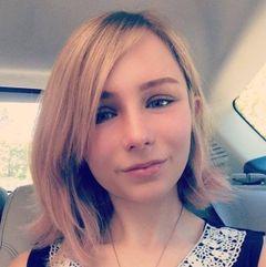 Chloe B.