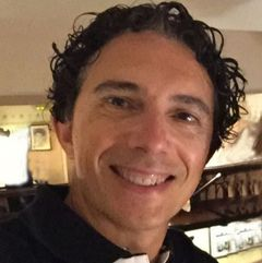 Félix González L.