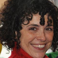 Adriana Tavares T.
