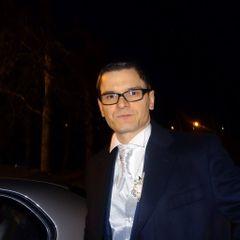 Jānis R.