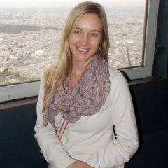 Stephanie De W.