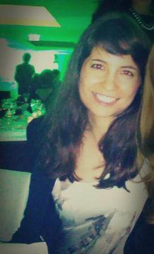 Cláudia M.