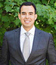 Renzo M.