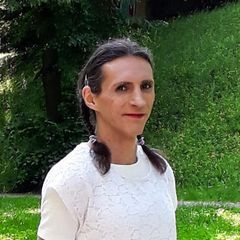 Flora Zoé B.