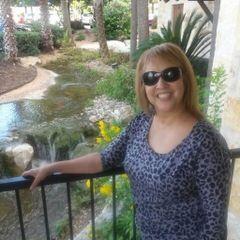 Gina Najar R.