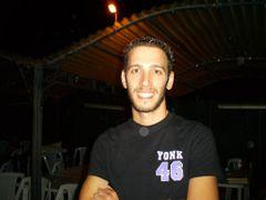 Carmelo la R.