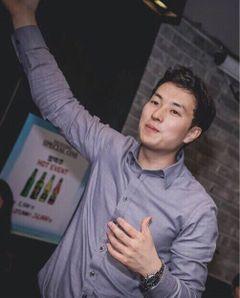 Jeongho Y.