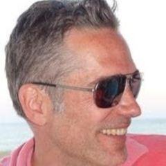Simon R.