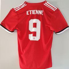 Et1enne D.