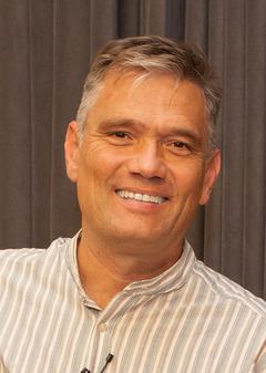 Carlos B S.