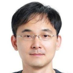 Heechang K.