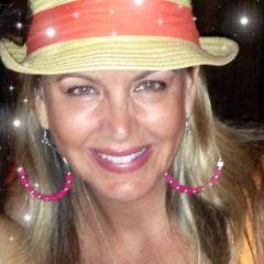 Cyndi R.
