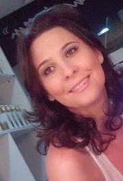 Deborah Maria Vieira M.