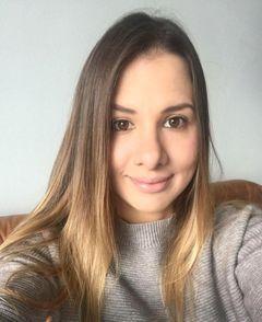 Alina S.
