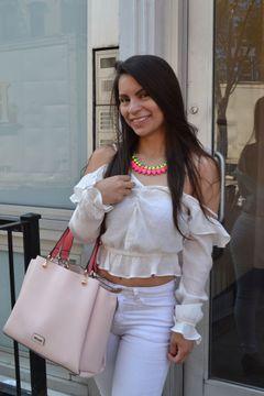 Lina Maria T.