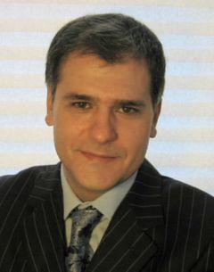 Yannis L.