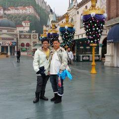 Lee Jun Y.