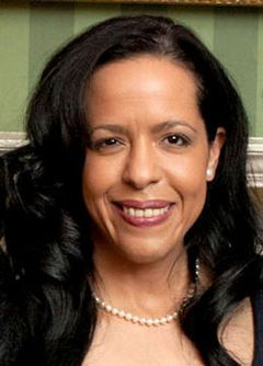 Elianne R.