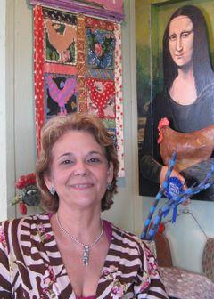 Paula H B.
