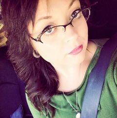 Samantha Lear (.