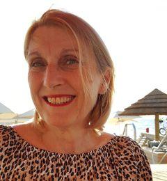 Debbie R.
