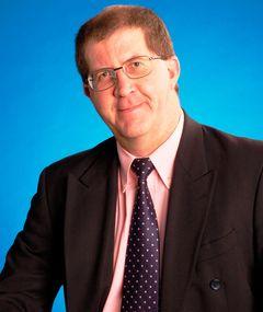 Gareth C M.