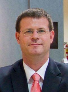 Dirk Van den P.