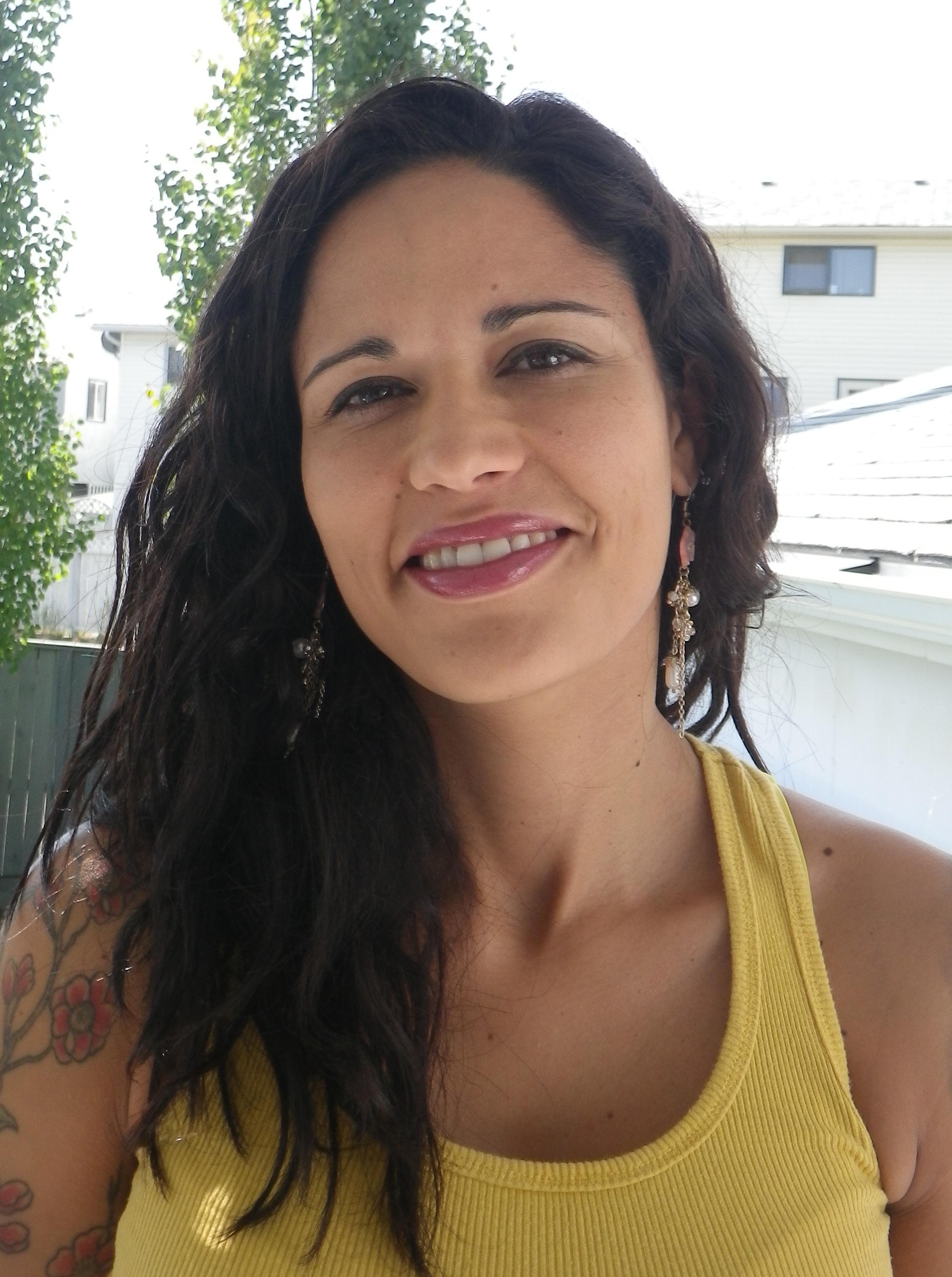 Denise Mago Headshot